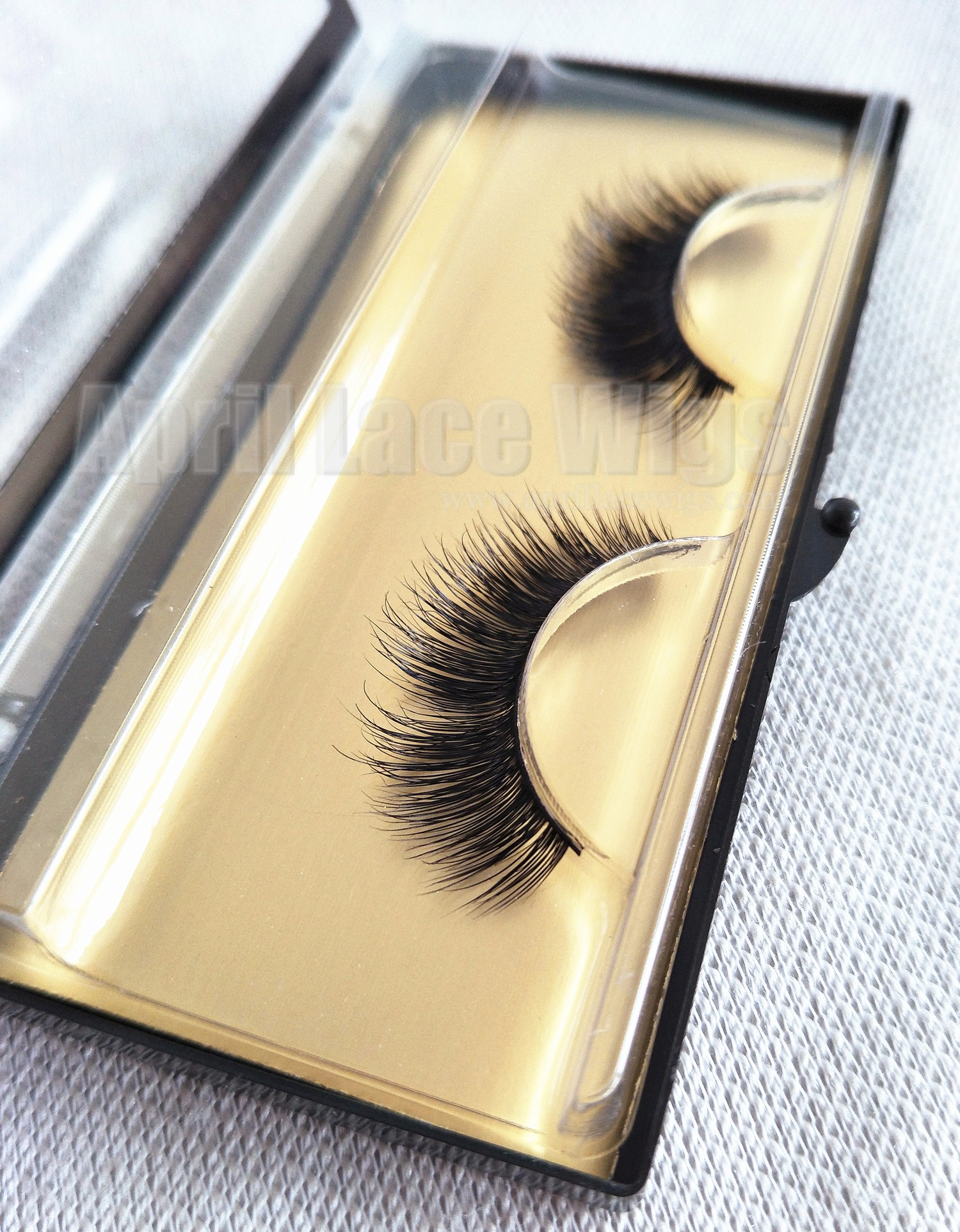 Mink effect false eyelashes